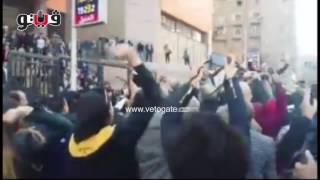 حمل خالد علي على الأعناق بعد الحكم بمصرية تيران وصنافير     -