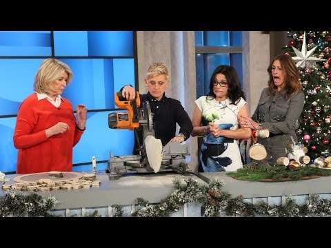Martha Stewart's Holiday Crafts - Smashpipe Entertainment