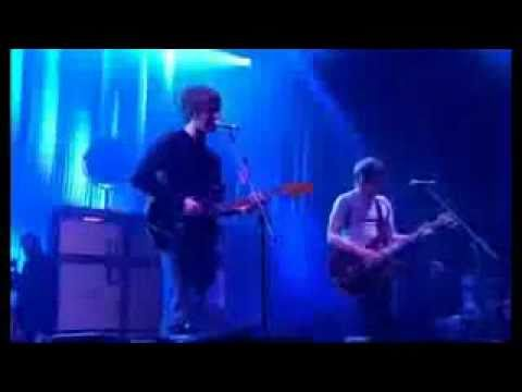 Arctic Monkeys - This House Is a Circus Live at Glastonbury 2007