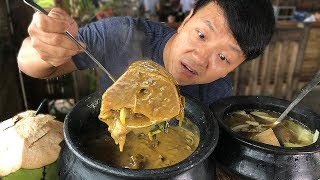 MASSIVE BEEF BONE Soup Insane FILIPINO Food at Tagaytay Philippines