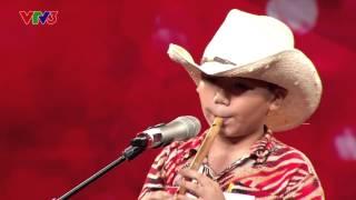 [Vietnam's got talent] Hai bố con thổi sáo - Trần Trọng Tín