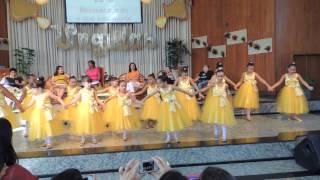 Coreografia das crianças no congresso das ungidas 2013-1