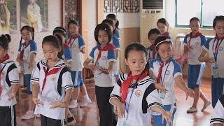 Перевёрнутая школа: видео вместо педагогов и домашняя работа в классе