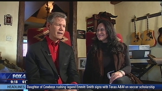 Randy Travis promises to make a comeback