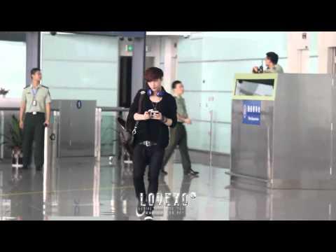 [FANCAM] 120902 Lay @ Changsha Airport