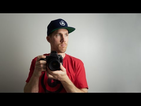 BEST Way To Hold A DSLR Camera
