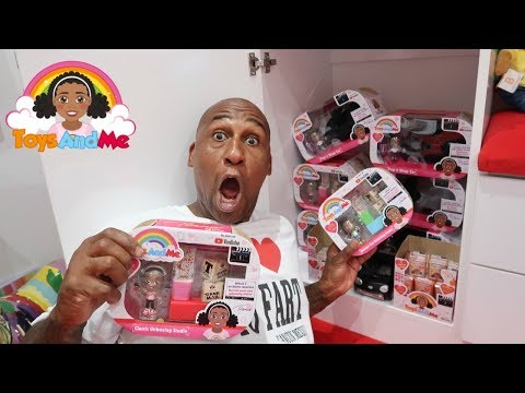 OPENING TIANA'S NEW TOYS | Toys AndMe