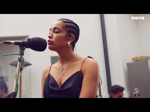 Jorja Smith - No Scrubs (TLC cover) | Plus Près de Toi - Nova.fr
