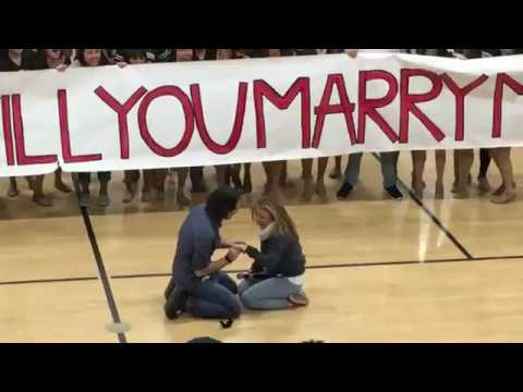 Just When Flash Mob Proposals Couldn't Get Any Cuter – Here's the One That Topped The Charts