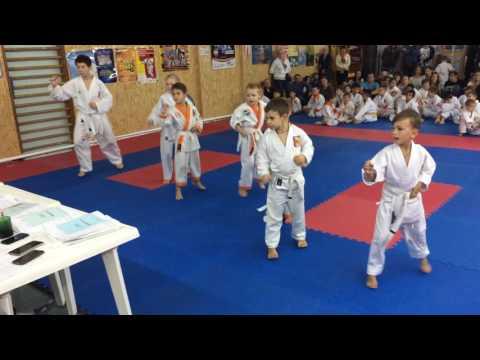 Аттестационный экзамен 09.10.2016 г. по каратэ в клубе Тигренок ч. 3
