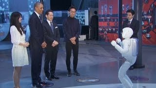 president-obama-plays-soccer-with-japanese-robot-video