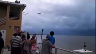 Best ufo sightings 2016 - UFOs and aliens appeared in the Spanish beach shocking