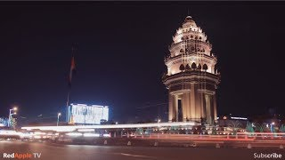 Independence Monument & King Father Statue - Night Scene