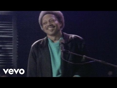 Neville Brothers - Yellow Moon - YouTube