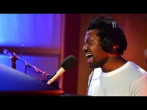 Sampha - Too Much (live at Future Festival)