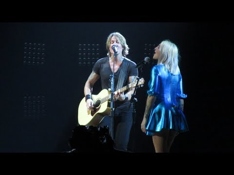 Keith Urban & Julia Michaels - Lie To Me (Live in Sydney, Australia - 25/1/2019)