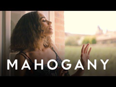 JONES - Walk My Way | Mahogany Session