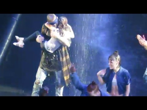sorry - justin bieber dancing with his sister toronto