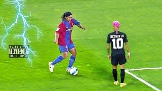Ronaldinho inventa drible jamais visto no Futebol !