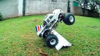 Axial SMT10 Monster Truck slow motion