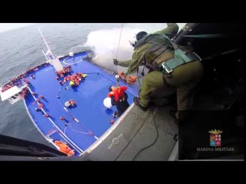 Elicotteri della Marina Militare in soccorso della Norman Atlantic
