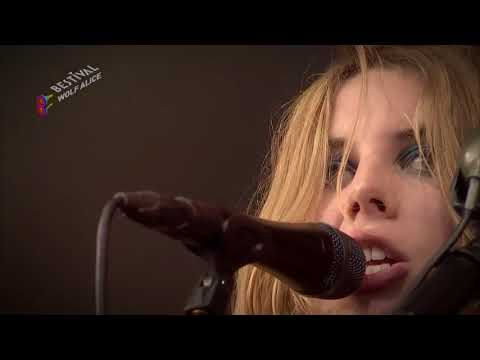 Wolf Alice - Giant Peach (Live)