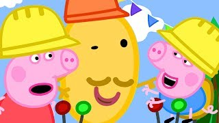 Peppa Pig Official Channel   Peppa Pig and George Pig Play on the Sand Digger Rides