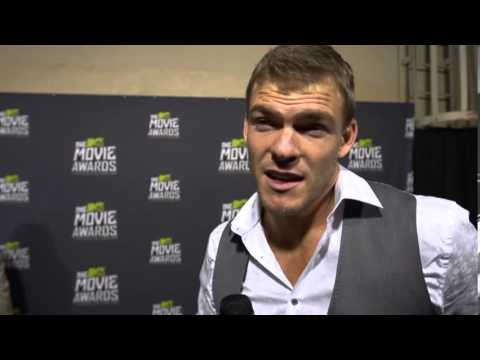 Alan Ritchson MTV Movie Awards Interview - YouTube