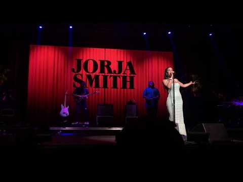 Blue Lights - Jorja Smith Live @ Coachella