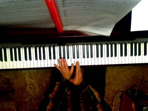 Notas en el piano de las claves de sol y fa. Notas sol y fa.