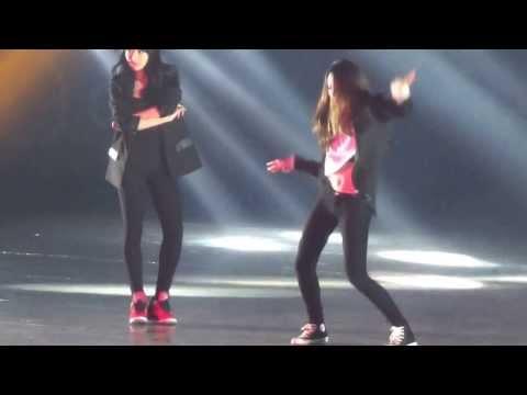 f(x) / Krystal  Victoria  Dancetime  20131224  SMTOWNWEEK
