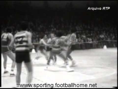 Basquetebol :: Sporting - 76 x Cinzano - 115 de 1976/1977 Taça dos Campeões Europeus