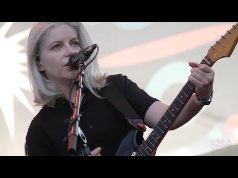 Alvvays - Dreams Tonite (LIVE at Music Tastes Good)