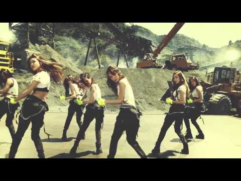 Girls' Generation (소녀시대) Catch Me If You Can (with Jessica Jung OT9)