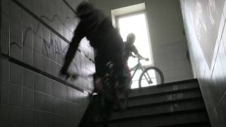 Mountainbike dans un immeuble