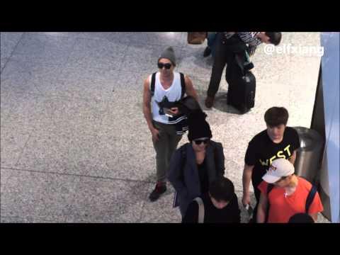 130116 ELF sing birthday song to Kangin oppa @ Super Junior departure at KLIA Malaysia to Korea