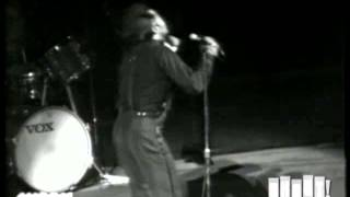 """James Brown performs """"I Can't Stand Myself"""" at the Boston Garden (Live)"""