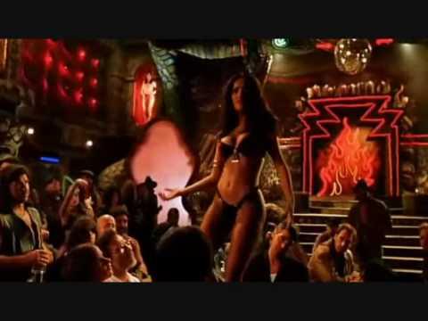 Baixar cena da Dominadora Macabra e sua dança sensual no filme 'Um drink no Inferno'