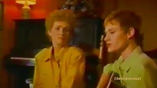 """Shelby Lynne, Allison Moorer, and their Grandmother — """"Misery"""" — Live"""