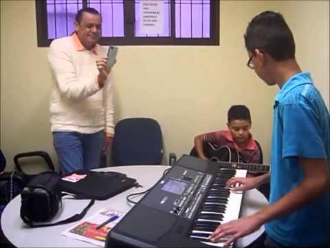 Baixar Andersinho dos Teclados tocando junto com Frank Aguiar o novo sucesso