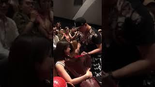 Diệp Lâm Anh xúc động rơi nước mắt với màn cầu hôn ngôn tình tại rạp phim trước ngày cưới