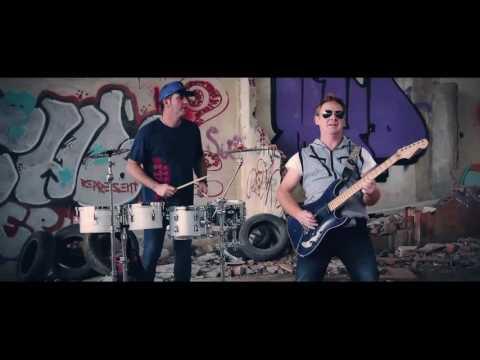 V. O - Guitarra y percusión