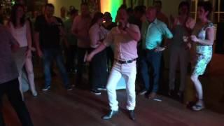 Bekijk video 3 van Top Bottom DJ and Vocals op YouTube