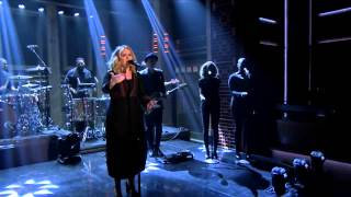 Adele – Water Under The Bridge (Live)