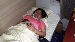 Bé gái được sinh ra trên chuyến tàu Bắc Nam | VTV24