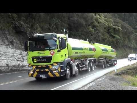 Trucks New Zealand on Mt Messenger