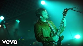 Kings Of Leon – Waste A Moment in the Live Lounge