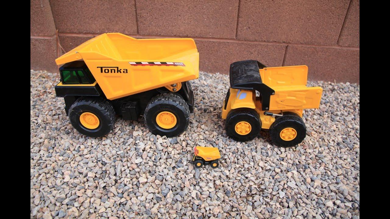 Big Dump Trucks >> BIG Tonka Metal Toy Dump Trucks Contruction Yard Excavator, Backhoe, Front Loader - YouTube