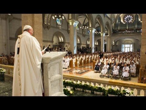 Thánh lễ với các Giám Mục, linh mục và tu sĩ Phi Luật Tân tại VCTĐ Manila