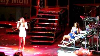 Toni Gonzaga with Pokwang - Showdown Medley